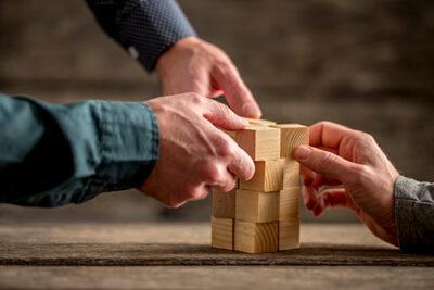 samla lånen hos bästa långivaren som erbjuder bästa hopbakslån